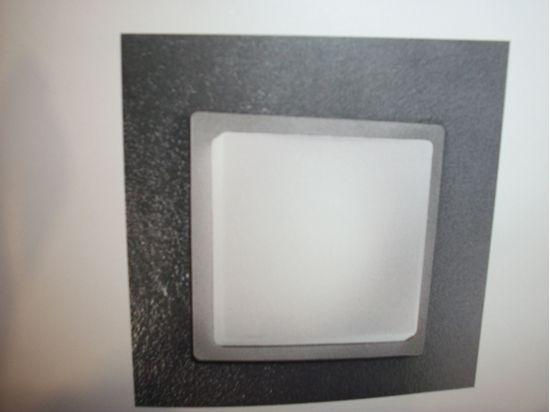 Immagine di Applique Da Parete O Da Soffitto In Vetro Soffiato Opalino Bianco Con Base Color Grigio Alluminio
