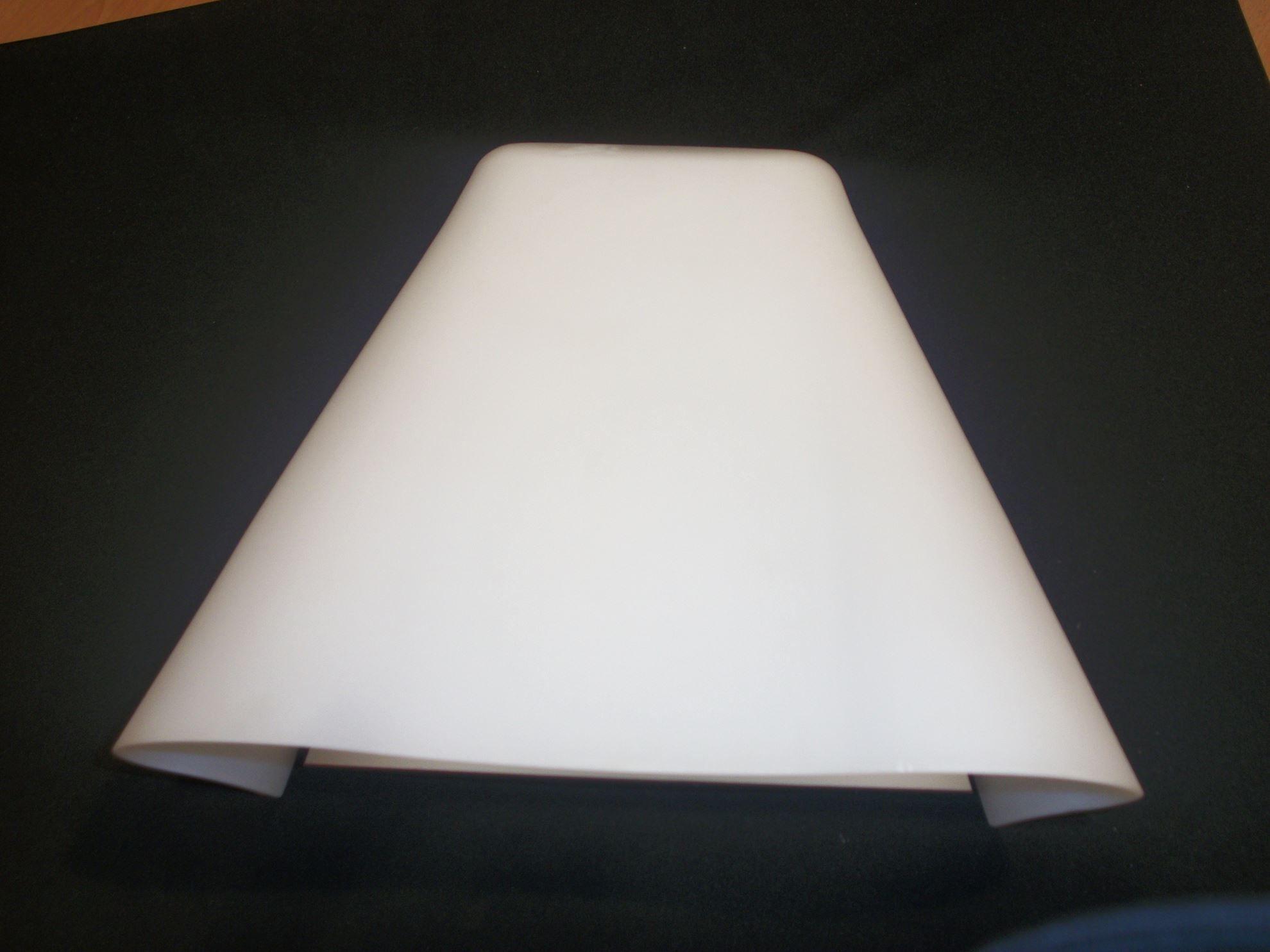 Applique da parete per interni in vetro bianco. bime ingrosso e