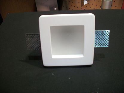 Immagine di Faretto Da Incasso A Soffitto Per Interni Quadrato In Gesso Con Vetro E Lampada Rientrata