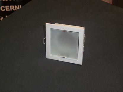 Immagine di Faretto Da Incasso A Soffitto Quadrato Con Cornice Alluminio E Vetrino Satinato