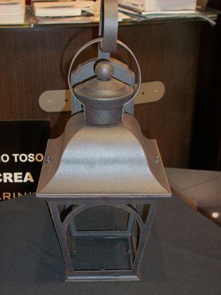 Immagine di Lanterna A Parete Per Esterni Color Marrone Antico E Vetro