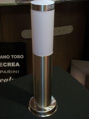 Immagine di Palo Da Giardino Per Esterni In Acciaio Inox Forma Cilindrica E Policarbonato Bianco