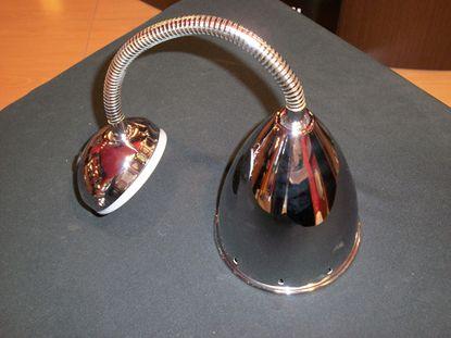 Immagine di Spot Con Fissaggio A Parete Per Interni In Metallo Cromato Lucido