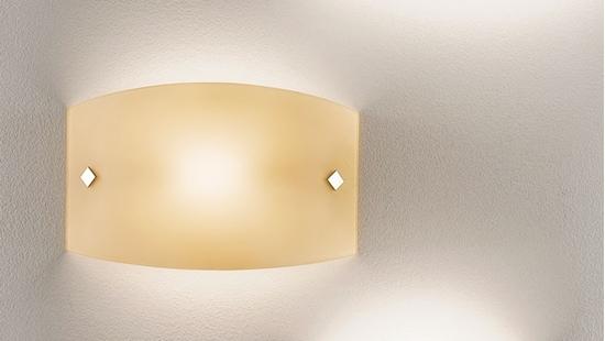 Applique da parete per interno in vetro ambra. bime ingrosso e