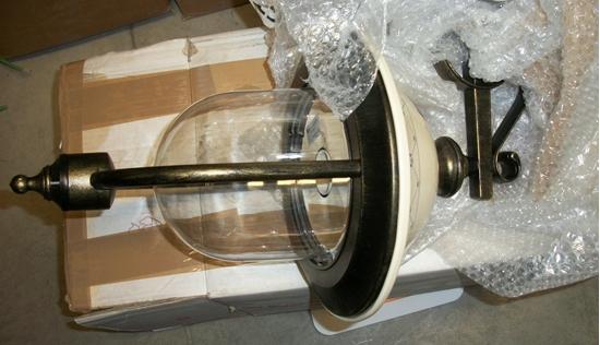 Lanterna Parete Esterno : Lanterna a parete per esterno nero oro bime ingrosso e