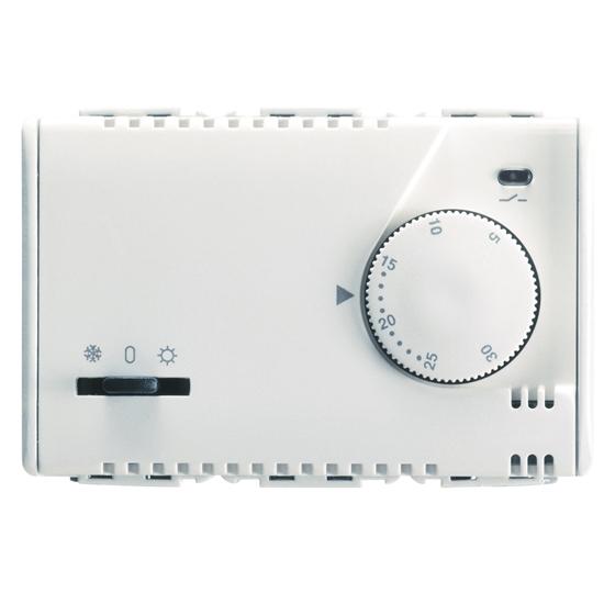 Immagine di Termostato Elettronico Estate/inverno Con Regoolazione A Manopola Segnalazione Led 230vac 50/60hz 3 Moduli -20852-