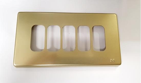 Immagine di Placca Oro 5 Moduli A Scatto Gl2000 -65204-